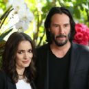 Winona Ryder and Keanu Reeves – 'Destination Wedding' Photocall in Beverly Hills - 454 x 369