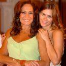 Susana Vieira and Carolina Dieckmann - Senhora do Destino (2004). - 381 x 525
