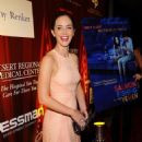 "Emily Blunt Glams Up Palm Springs Premiere of ""Salmon Fishing in the Yemen"""