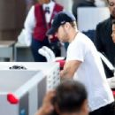 Ryan Phillippe at LAX