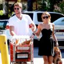 Miley Cyrus: Go grocery shopping in Studio City