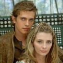 Hayden Christensen and Mischa Barton