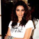 Bipasha Basu gets styled at Mad-O-Wat Salon - 454 x 685