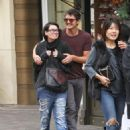 'Game of Thrones' co-stars Lena Headey, Pedro Pascal get cosy on shopping date, spark romance rumours