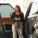Sofia Vergara in Jeans – Visits Portofino tanning salon in Beverly Hills - 454 x 680