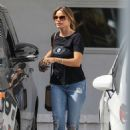 Sofia Vergara – Stops by fancy Obagi Skin Health Institute in Beverly Hills