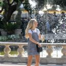 Lottie Moss – Shopping candids at The Grove in LA With Emily Blackwell - 454 x 591