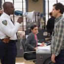 Brooklyn Nine-Nine (2013) - 454 x 375
