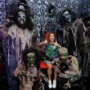 Haley Lu Richardson – Visits Knott's Scary Farm in Buena Park - 454 x 554