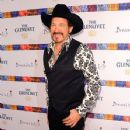 Kix Brooks - 353 x 594
