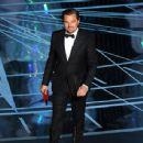 Leonardo Di Caprio At The 89th Annual Academy Awards - Show (2017) - 454 x 344