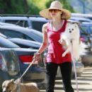 Jenna Dewan walking her dogs at Runyon Canyon - February 14, 2010