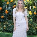 Camille Kostek – 2019 Veuve Clicquot Polo Classic Los Angeles in Los Angeles - 454 x 681