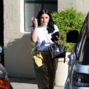 Ariel Winter in Yellow Pants – Out in Los Angeles - 454 x 632