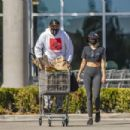 Miley Cyrus – Grocery shopping candids - 454 x 303