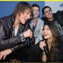 Victoria Justice and James Maslow - 454 x 371