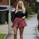 Amber Turner in Mini Skirt – Out in Brentwood - 454 x 640