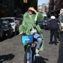 Kendall Jenner – Riding a Citi Bike in NYC