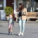 Jennifer Garner spotted leaving Brentwood Country Mart in Brentwood Ca March 27th,2017 - 454 x 356