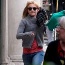 Hayden Panettiere Candids With A Baseball Glove March 12 2009