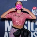 Sarah Hyland – 2020 CMT Music Awards in Nashville - 454 x 557