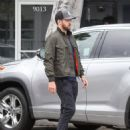 Justin Timberlake makes a stop at Au Fudge restaurant on April 9, 2016 - 454 x 583