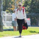 Jennifer Garner in Leggings – Out in Los Angeles