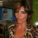 Lisa Rinna - Playtex Promo In Bryant Park - Sep 7 2007