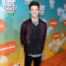Grant Gustin- Nickelodeon's 2016 Kids' Choice Awards - Arrivals - 389 x 600