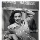 Marguerite Chapman - 454 x 572