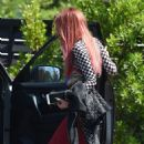 Bella Thorne – Seen Out in Los Angeles - 454 x 821