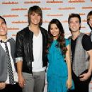 Victoria Justice and James Maslow - 255 x 199