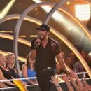 Luke Bryan-June 10, 2015-2015 CMT Music Awards - Show - 400 x 600