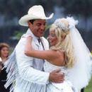 Gerson Brenner and Danielle Winits - Corpo Dourado (1998) - 448 x 293