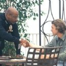Assistant Chief Arthur Holland (Ving Rhames) makes a deal with Bobby Keough (Scott Speedman) - 454 x 304
