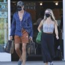 Annabelle Wallis and Chris Pine – Shopping in Los Angeles - 454 x 504