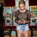 Amber Heard: at MoonLight Rollerway Los Angeles