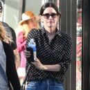 Courteney Cox in Jeans – Shopping in Beverly Hills