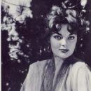 Marilyn Hanold - 454 x 574