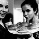 Selena Gomez - 454 x 340