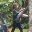 Halle Berry out in Los Angeles December 24, 2016 - 454 x 514