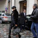 Paris Hilton - Shopping In Paris, 2010-02-09