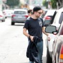 Robert Pattinson Out in LA (March 16, 2015 ) - 418 x 600