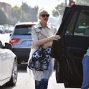 Gwen Stefani – Out in Studio City