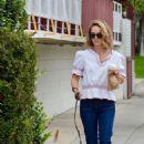 Natalie Portman – Walking her dog in Los Feliz