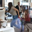 Sofia Vergara Shopping In Beverly Hills - 454 x 303