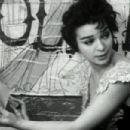 Lelia Goldoni - 454 x 302