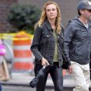 Diane Kruger in Skinny Black Leather Pants – Los Angeles 9/21/2016 - 454 x 693