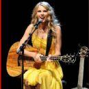 Taylor Swift at L.A.'s club  Nokia 9/23/2010.