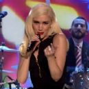 Watch Gwen Stefani Belt Out 'Under the Christmas Lights' on 'Tonight Show'